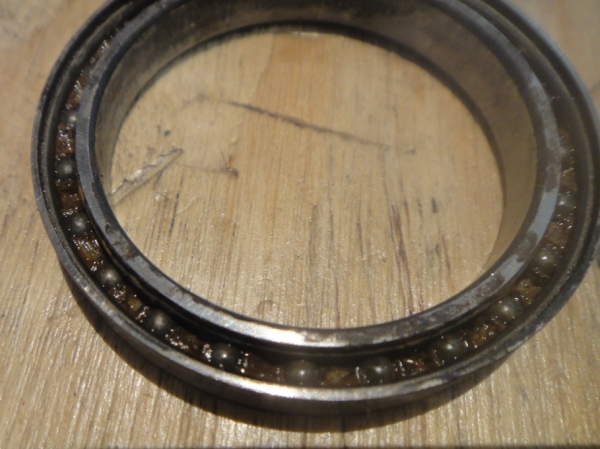 Si bearing, caged